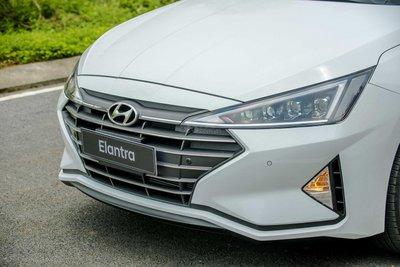 Đầu xe Hyundai Elantra 2.0 2019 ..