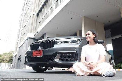 Vlogger 12 tuổi sắm BMW 7-Series giá 4,5 tỷ đồng a3.