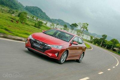Thông số kỹ thuật chi tiết Hyundai Elantra 2019 vừa ra mắt Việt Nam a2