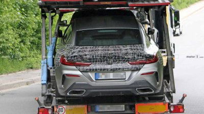 Tóm gọn BMW 8 Series Gran Coupe trên đường với diện mạo nổi bần bật a16