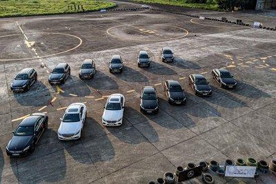 Hơn 30 mẫu xe góp mặt tại Học viện lái xe an toàn Mercedes-Benz 2019.
