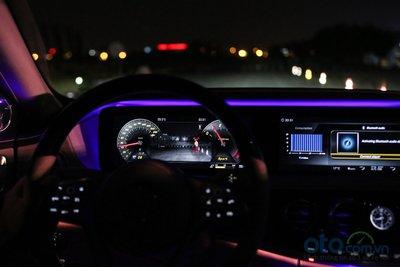 Công nghệ hỗ trợ nhìn đêm (Night View Assist Plus) hiện đang được trang bị trên S450 Luxury và dòng S-Maybach.