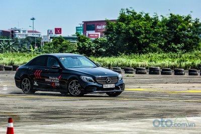 Mercedes-Benz Driving Academy 2019 9.