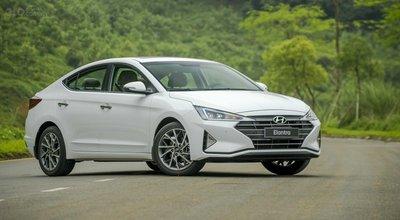 Hyundai Elantra 2019 phiên bản 2.0...