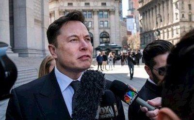 """Tesla cảnh cáo nhân viên phải """"giữ mồm giữ miệng""""."""