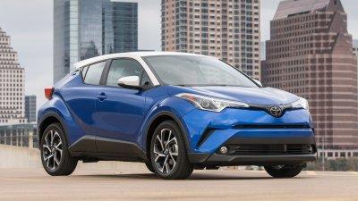 Toyota C-HR đời 2019 màu xanh