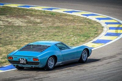 Lamborghini Miura 1971 được hồi sinh với vẻ đẹp vượt thời gian a10