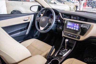 Đại lý hạ giá sốc cho Toyota Corolla Altis: Dọn đường cho phiên bản mới? A8