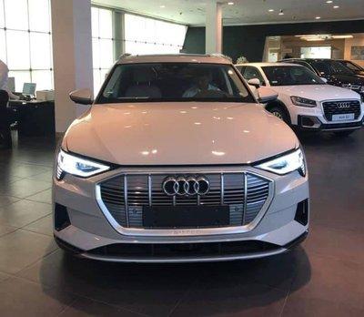 Audi E-Tron bất ngờ được trưng bày tại đại lý chính hãng ở Việt Nam a1