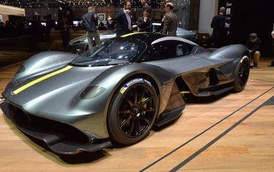 Siêu xe Aston Martin Valkyrie đạt sức mạnh 1.130 mã lực.