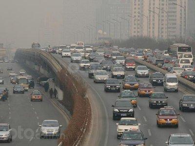 Áp luật khí thải ô tô vội vã khiến thị trường ô tô Trung Quốc căng thẳng hơn