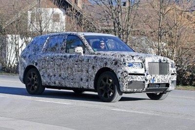 Rolls-Royce Cullinan trong quá trình chạy thử...