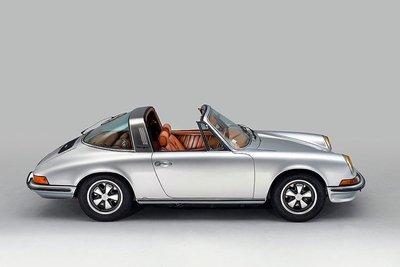 Porsche 911 Targa gây ấn tượng với khoang nội thất độ da thủ công của Berluti a2