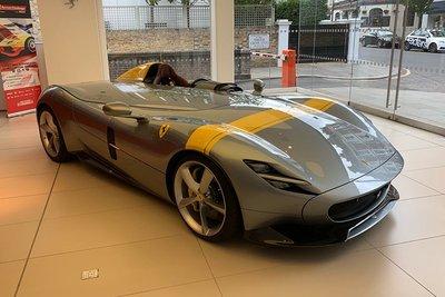 Ferrari Monza SP1 hét giá 42 tỷ đồng vẫn không có xe để bán a7