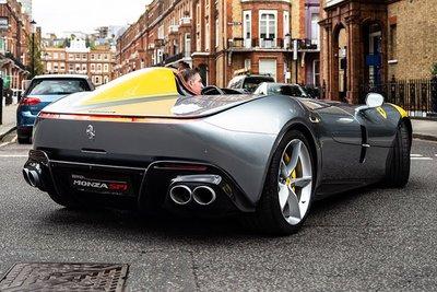 Ferrari Monza SP1 hét giá 42 tỷ đồng vẫn không có xe để bán a4