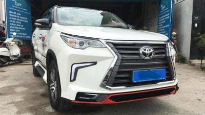 """Toyota Hilux tại Việt Nam """"hóa thân"""" thành Lexus LX 570 a3"""