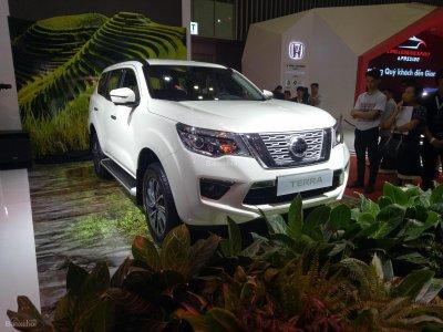 Nissan Terra ra mắt triển lãm ô tô Việt Nam 2018...