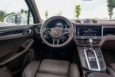 Khoang lái của Porsche Macan 2019.