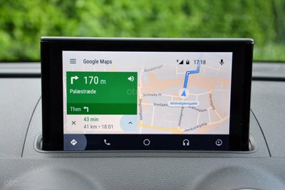 Ứng dụng Google Map trên Android Auto.