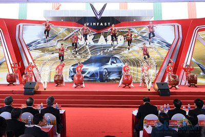 Khánh thành nhà máy sản xuất ô tô VinFast 1.
