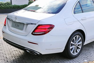 Thông số kỹ thuật xe Mercedes E200 2019 a4