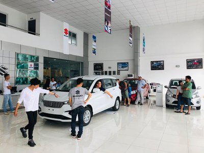 Cận cảnh Suzuki Ertiga 2019 tại đại lý, ngày ra mắt Việt Nam gần kề - Ảnh 3.