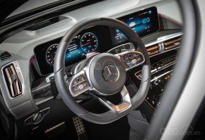 Mercedes-Benz EQC 2020 tích hợp công nghệ hiện đại
