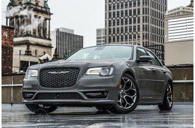 Chrysler 300 2019.