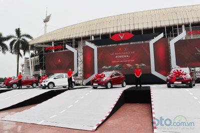 Lễ bàn giao xe VinFast Fadil tại Hà Nội.