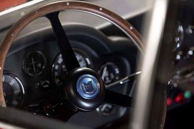Mê mẩn trước vẻ đẹp của chiếc Aston Martin DB4 GT Zagato 1960 giá 7,9 triệu USD a10