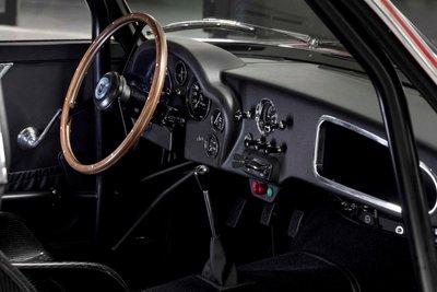 Mê mẩn trước vẻ đẹp của chiếc Aston Martin DB4 GT Zagato 1960 giá 7,9 triệu USD a7