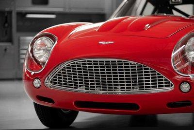 Mê mẩn trước vẻ đẹp của chiếc Aston Martin DB4 GT Zagato 1960 giá 7,9 triệu USD a6