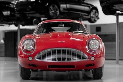Mê mẩn trước vẻ đẹp của chiếc Aston Martin DB4 GT Zagato 1960 giá 7,9 triệu USD a4