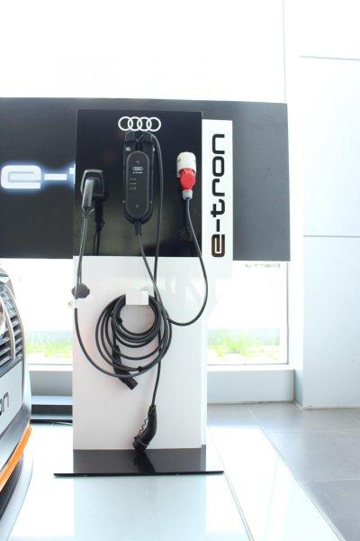 SUV điện Audi E-Tron chính thức cập bến showroom Audi Hồ Chí Minh 16