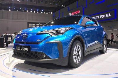 Toyota C-HR EV ra mắt tại triển lãm tại triển lãm Thượng Hải.