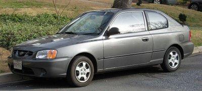 Hyundai Accent thế hệ thứ 2.