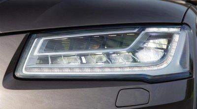 Đèn LED ma trận trên Audi A8...