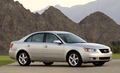 Hyundai Sonata thế hệ thứ 5.
