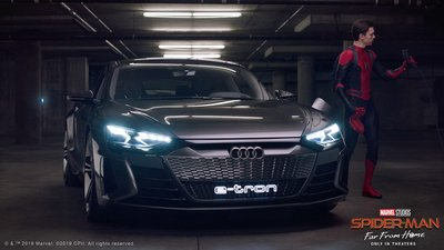 Audi e-tron GT sánh đôi với Spider-Man trong bộ phim bom tấn sắp công chiếu a1