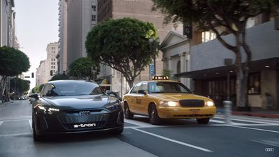 Audi e-tron GT sánh đôi với Spider-Man trong bộ phim bom tấn sắp công chiếu a3