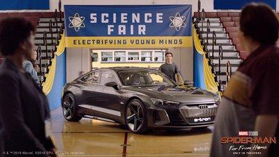 Audi e-tron GT sánh đôi với Spider-Man trong bộ phim bom tấn sắp công chiếu a4