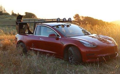 Ngắm chiếc Tesla Model 3 độ phong cách bán tải của cô gái cá tính a1