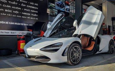 Khoảnh khắc McLaren 720S Launch Edition đầu tiên tại Việt Nam vi vu trên phố a1
