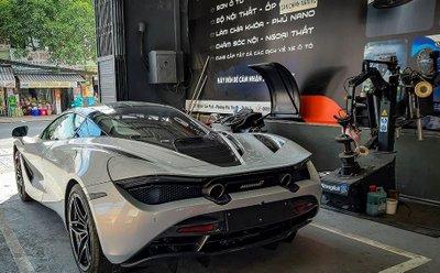 Khoảnh khắc McLaren 720S Launch Edition đầu tiên tại Việt Nam vi vu trên phố a3