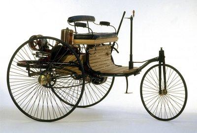 Giá bán xe Benz Patent Motorwagen lúc ra mắt khoảng 150 USD (~ hơn 4.000 USD bây giờ).
