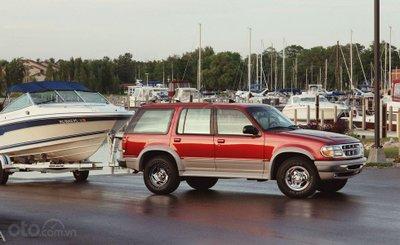 Ford Explorer thế hệ thứ 2