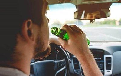 Không uống rượu, bia khi lái xe để đảm bảo an toàn.