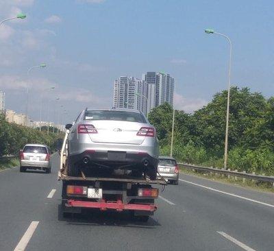Ford Taurus 2019 bất ngờ xuất hiện tại Việt Nam a1
