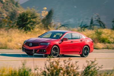 Acura TLX PMC Edition đầu xe