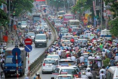 Xe cơ giới chiếm mật độ lớn trong các phương tiện tham gia giao thông hiện nay.